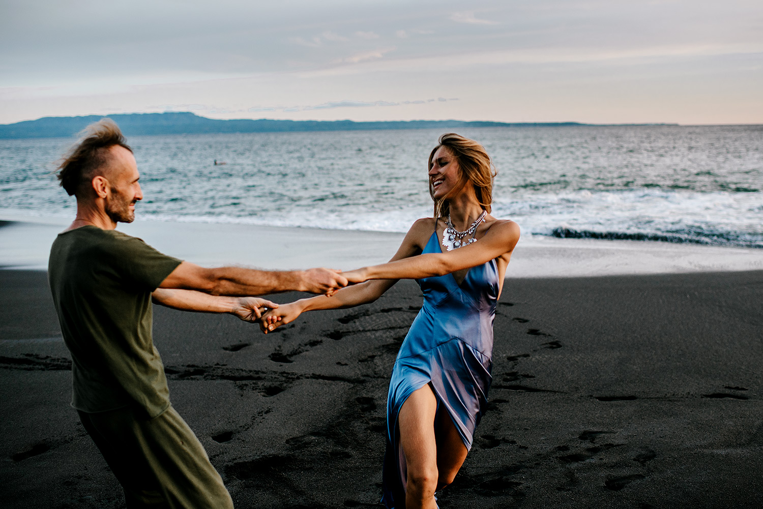 bali-black-sand-beach-engagement-session-Bali-wedding-photographer11.jpg