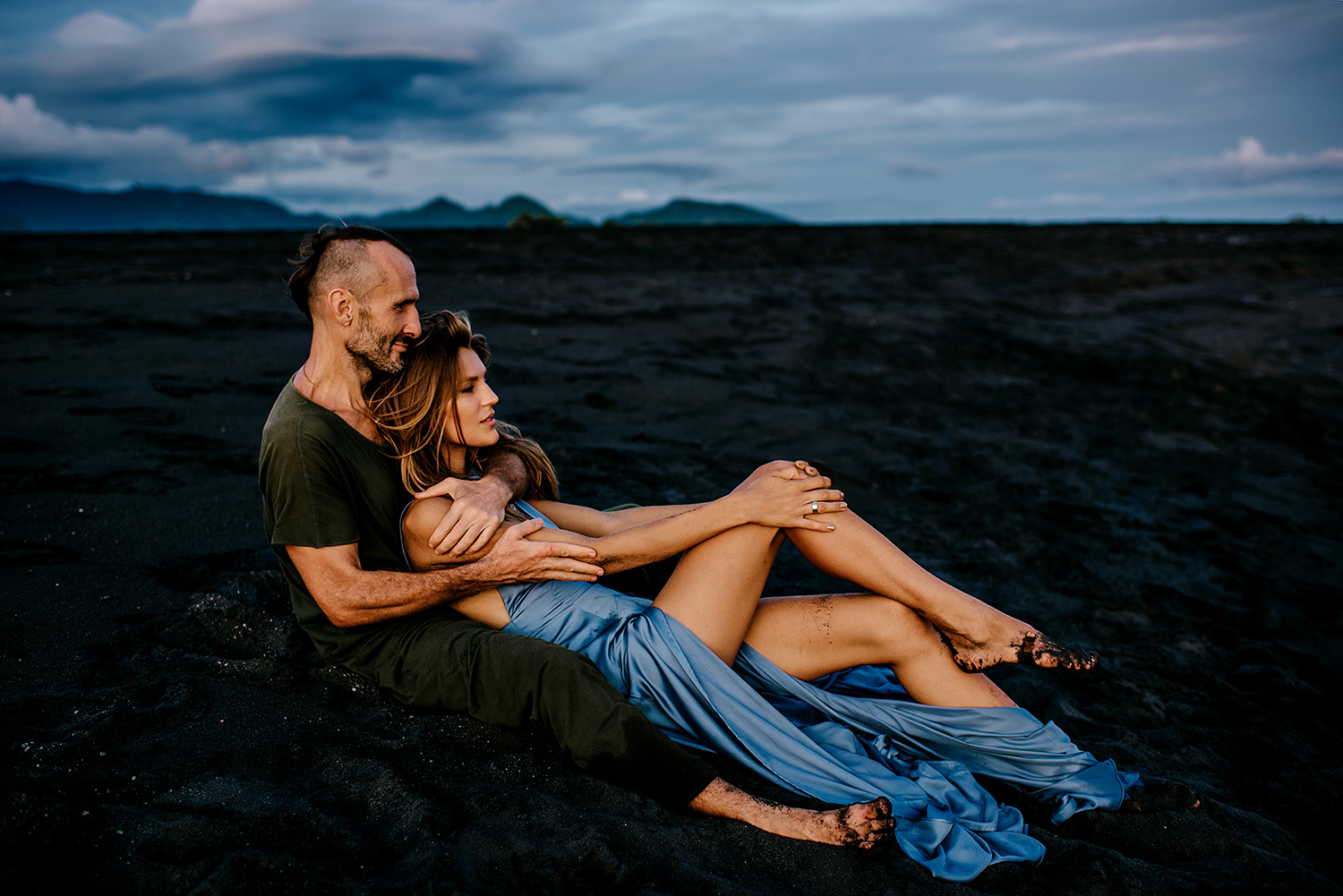 bali-black-sand-beach-engagement-session-Bali-wedding-photographer18.jpg