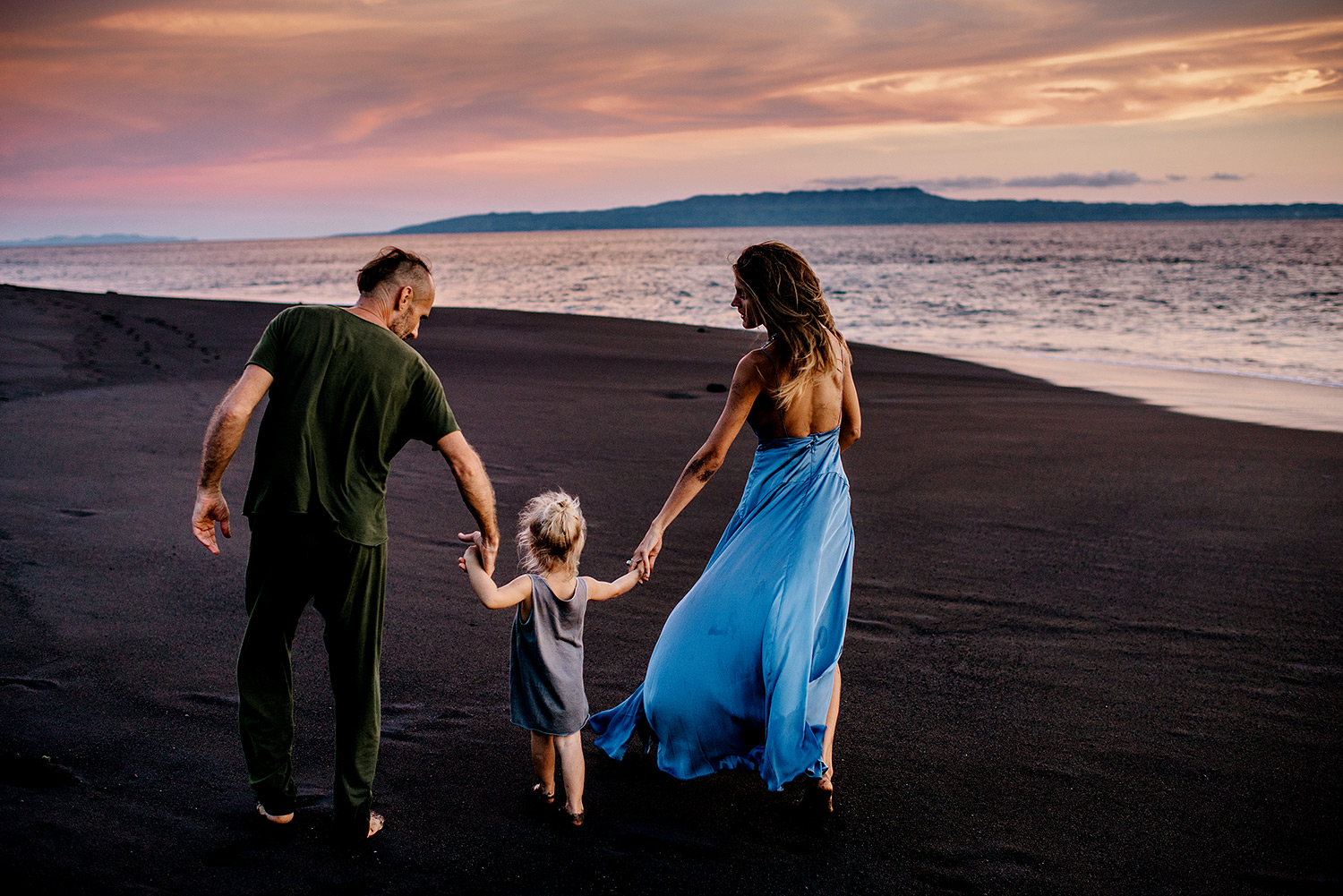 bali-black-sand-beach-engagement-session-Bali-wedding-photographer23.jpg