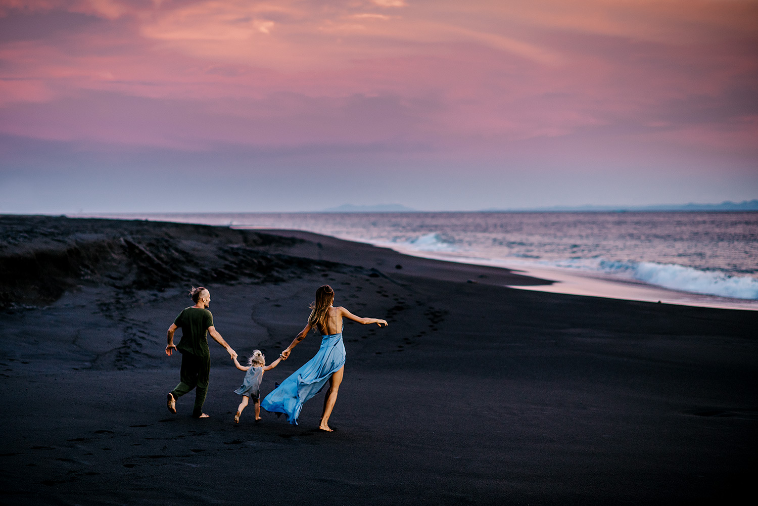 bali-black-sand-beach-engagement-session-Bali-wedding-photographer29.jpg