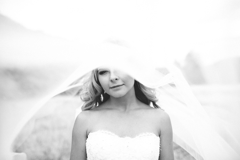 Portland-Wedding-Photographer-Columbia-River-Gorge-Wedding03.jpg