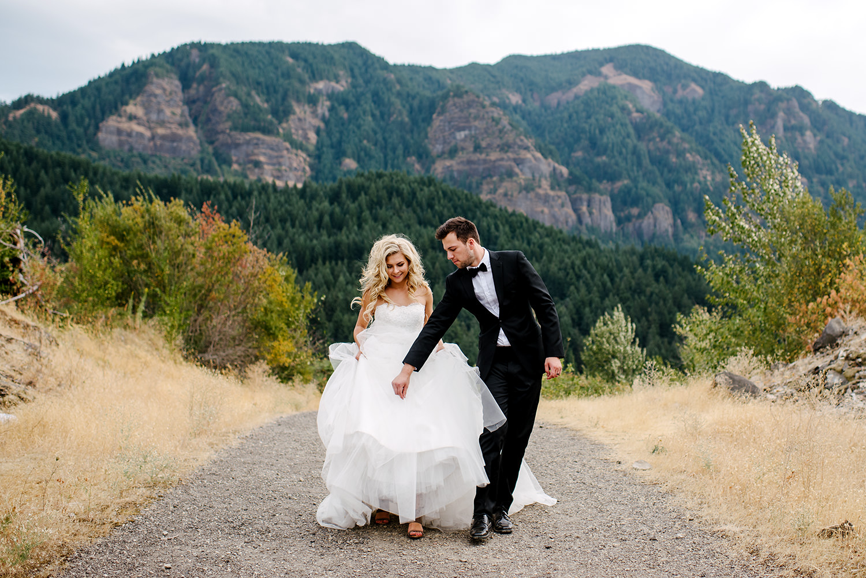 Portland-Wedding-Photographer-Columbia-River-Gorge-Wedding11.jpg