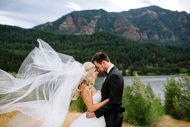 Portland-Wedding-Photographer-Columbia-River-Gorge-Wedding28.jpg