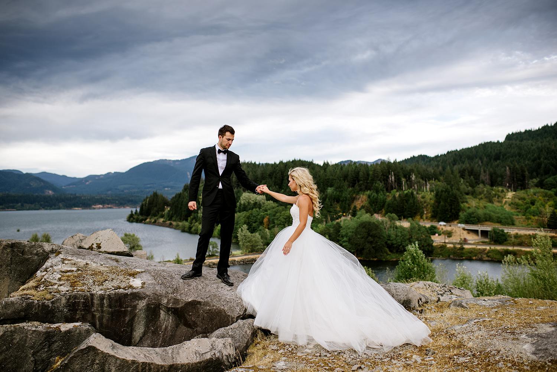 Portland-Wedding-Photographer-Columbia-River-Gorge-Wedding32.jpg