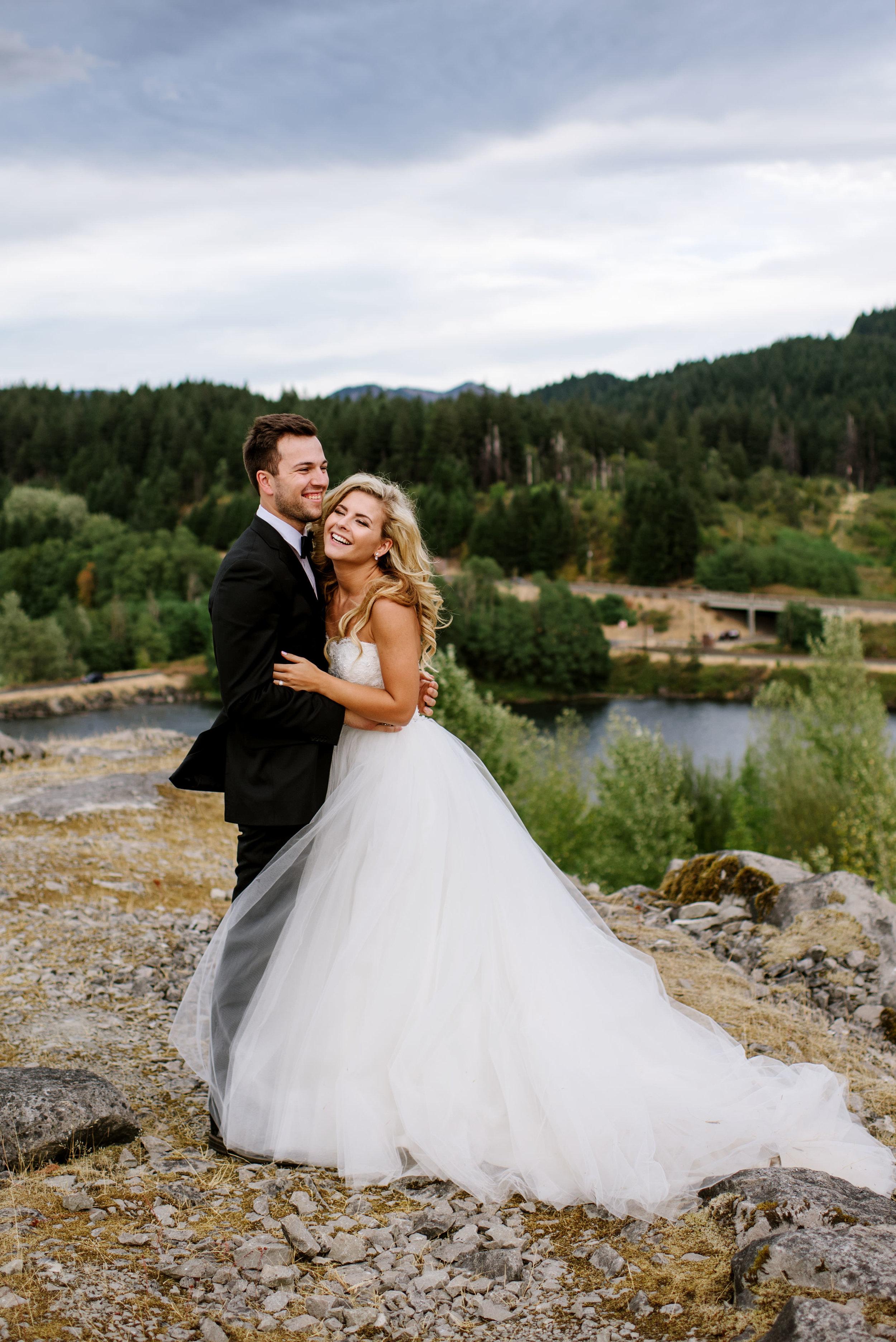Portland-Wedding-Photographer-Columbia-River-Gorge-Wedding31.jpg