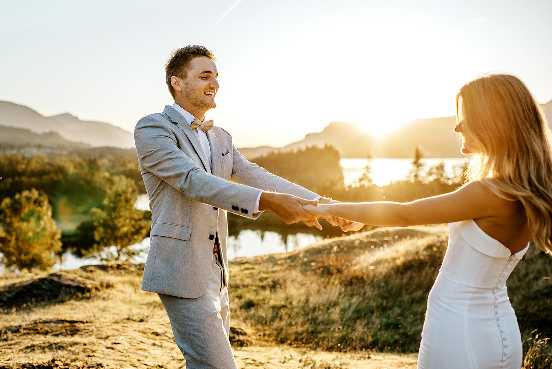 Portland-Wedding-Photographer-Columbia-River-Gorge-elopement35.jpg