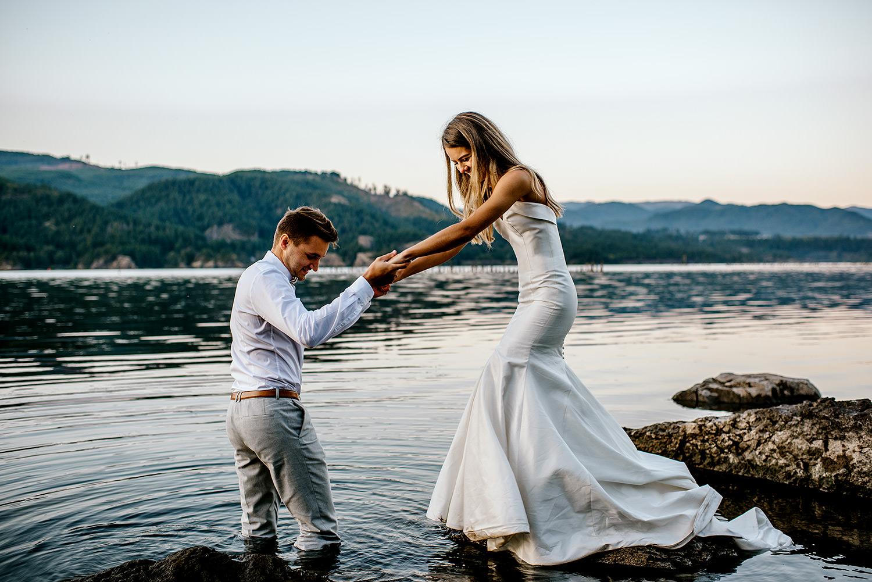 Portland-Wedding-Photographer-Columbia-River-Gorge-elopement44.jpg