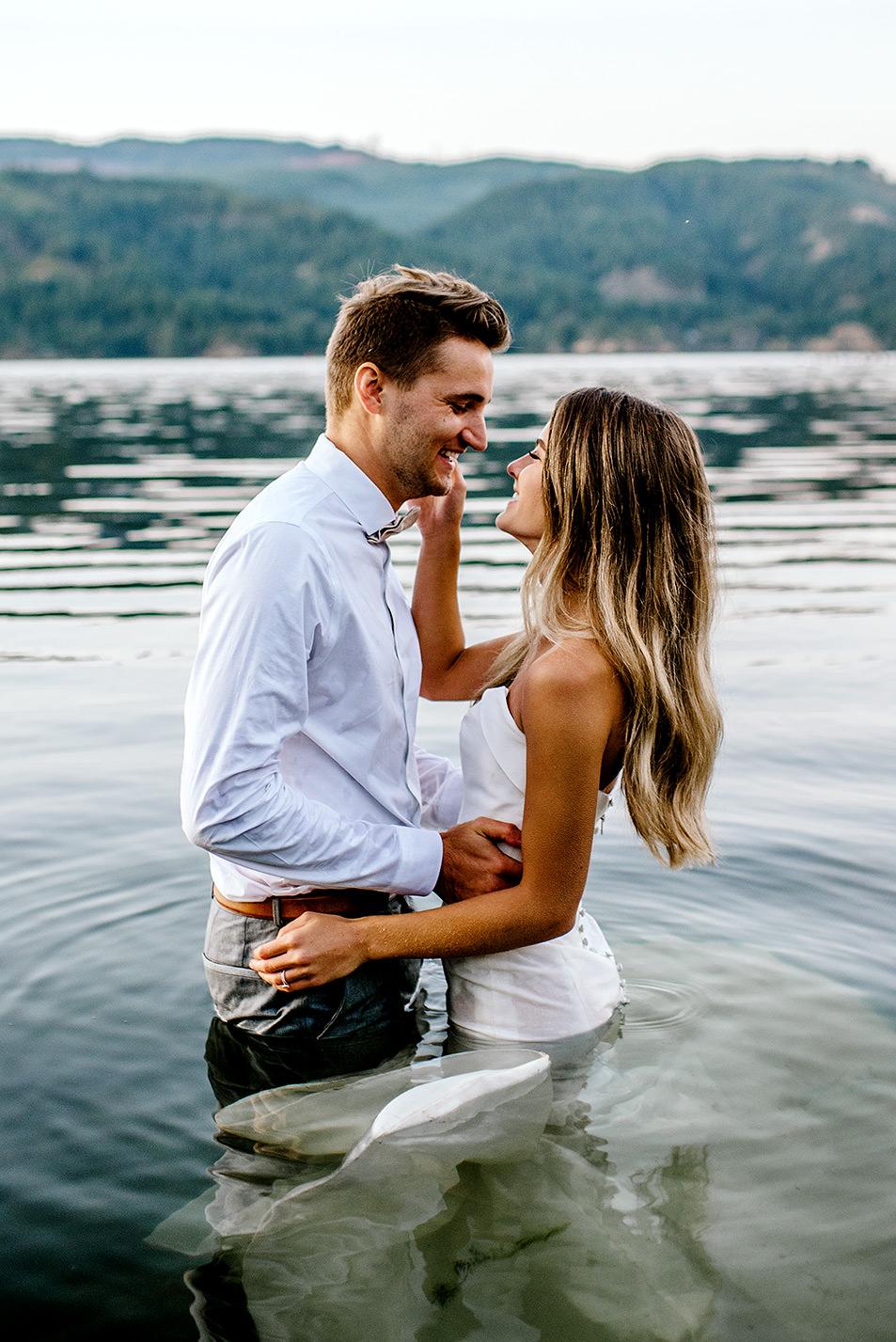 Portland-Wedding-Photographer-Columbia-River-Gorge-elopement49.jpg