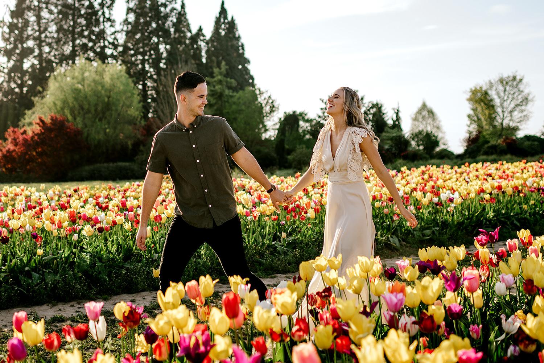 Tulip-field-engagement-session-Portland-Photographer-08.jpg