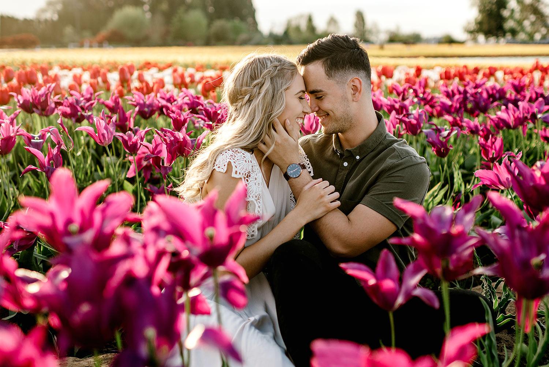 Tulip-field-engagement-session-Portland-Photographer-13.jpg