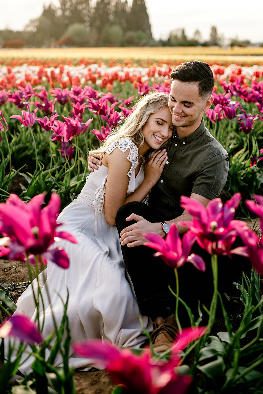 Tulip-field-engagement-session-Portland-Photographer-15.jpg