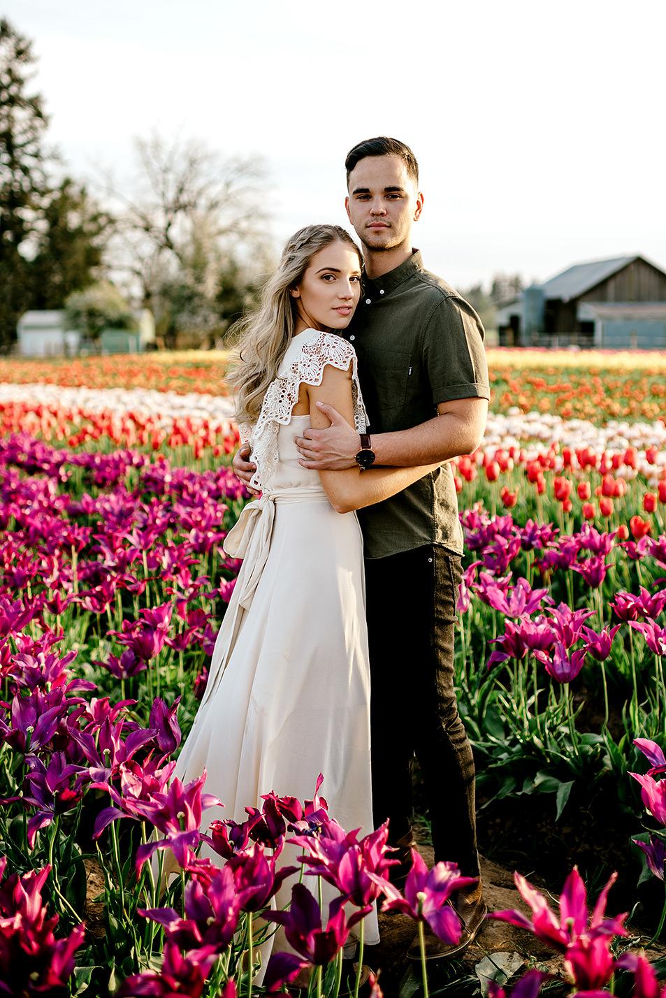 Tulip-field-engagement-session-Portland-Photographer-17.jpg