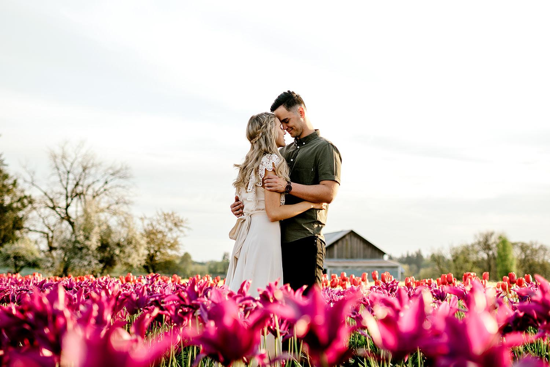 Tulip-field-engagement-session-Portland-Photographer-18.jpg