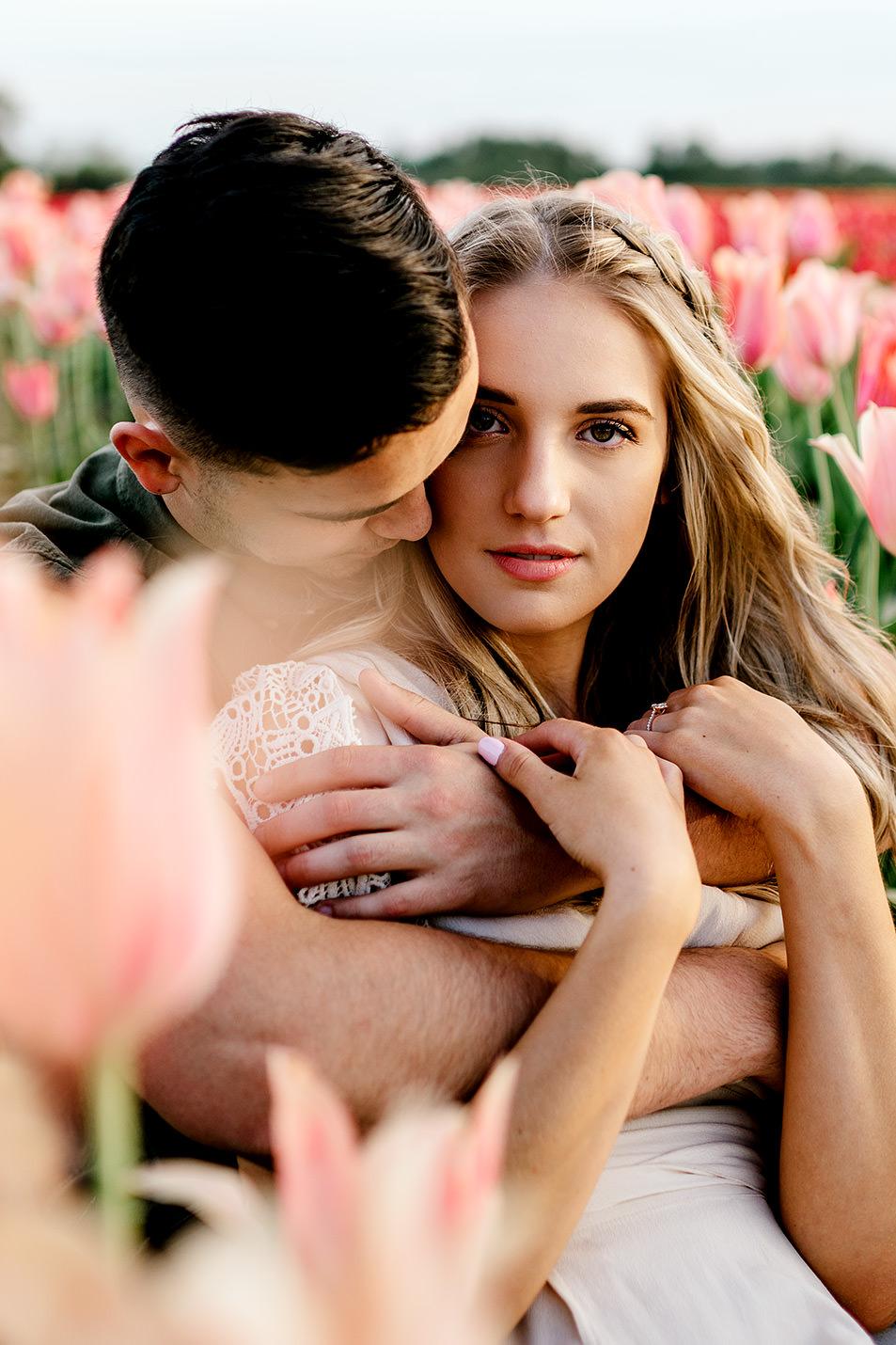 Tulip-field-engagement-session-Portland-Photographer-22.jpg