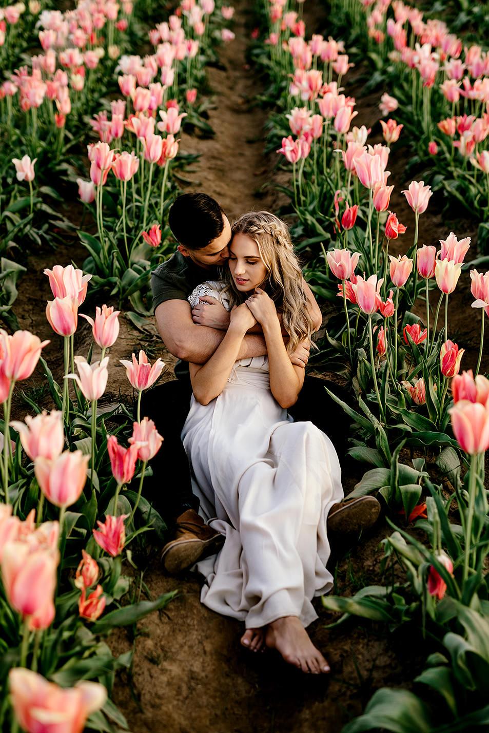 Tulip-field-engagement-session-Portland-Photographer-24.jpg