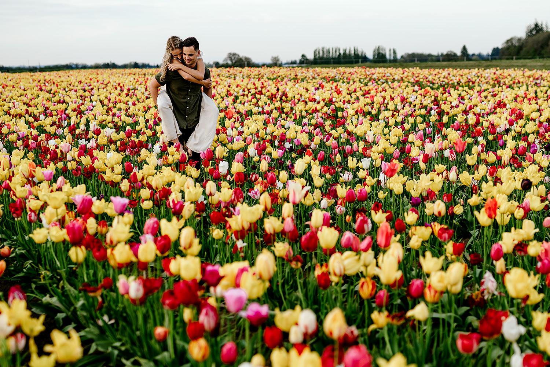 Tulip-field-engagement-session-Portland-Photographer-25.jpg