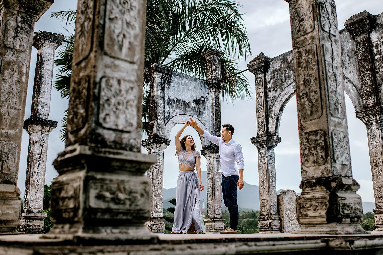 Bali-temple-engagment-Bali-wedding-photographer38.jpg