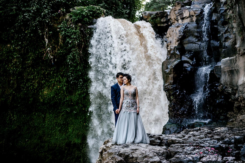Bali-waterfall-engagment-Bali-wedding-photographer20.jpg