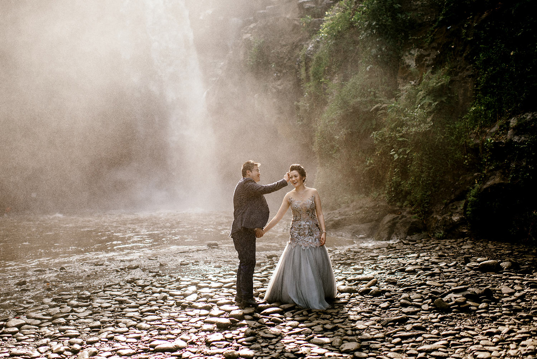 Bali-waterfall-engagment-Bali-wedding-photographer26.jpg