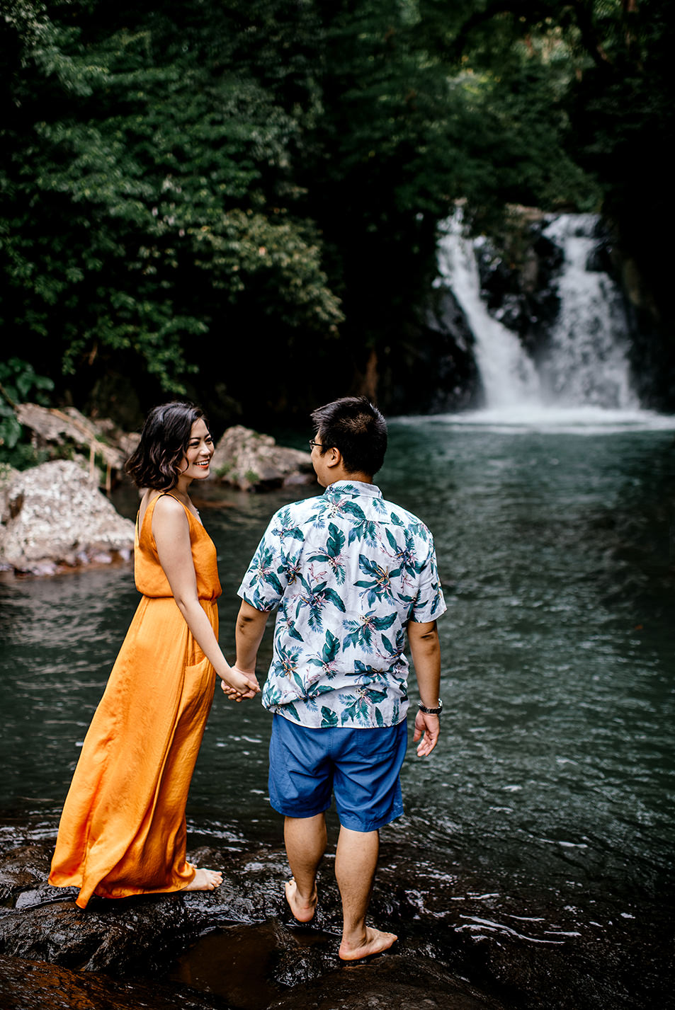 Bali-waterfall-engagment-Bali-wedding-photographer41.jpg