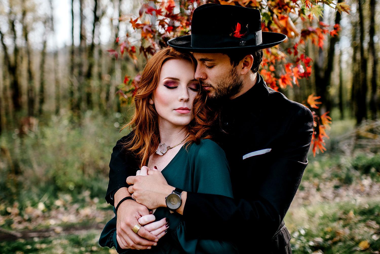 Portland-elopement-photographer-Autunm-wedding-inspiration-15.jpg