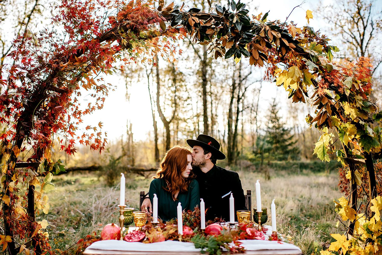 Portland-elopement-photographer-Autunm-wedding-inspiration-32.jpg