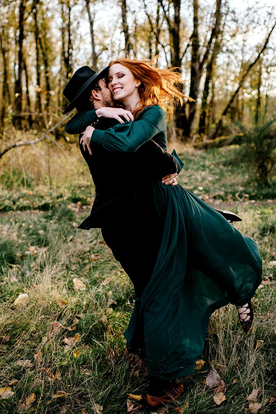 Portland-elopement-photographer-Autunm-wedding-inspiration-35.jpg
