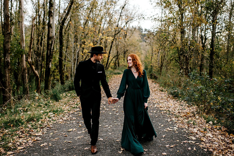 Portland-elopement-photographer-Autunm-wedding-inspiration-42.jpg