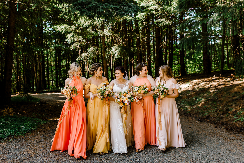Citrus-inspired-wedding-at-Gorge-Crest-Vineyard-036.jpg