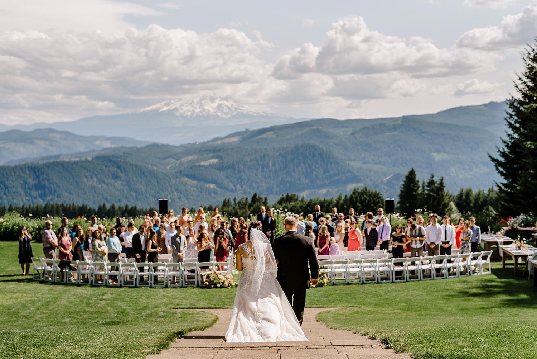 Citrus-inspired-wedding-at-Gorge-Crest-Vineyard-049.jpg