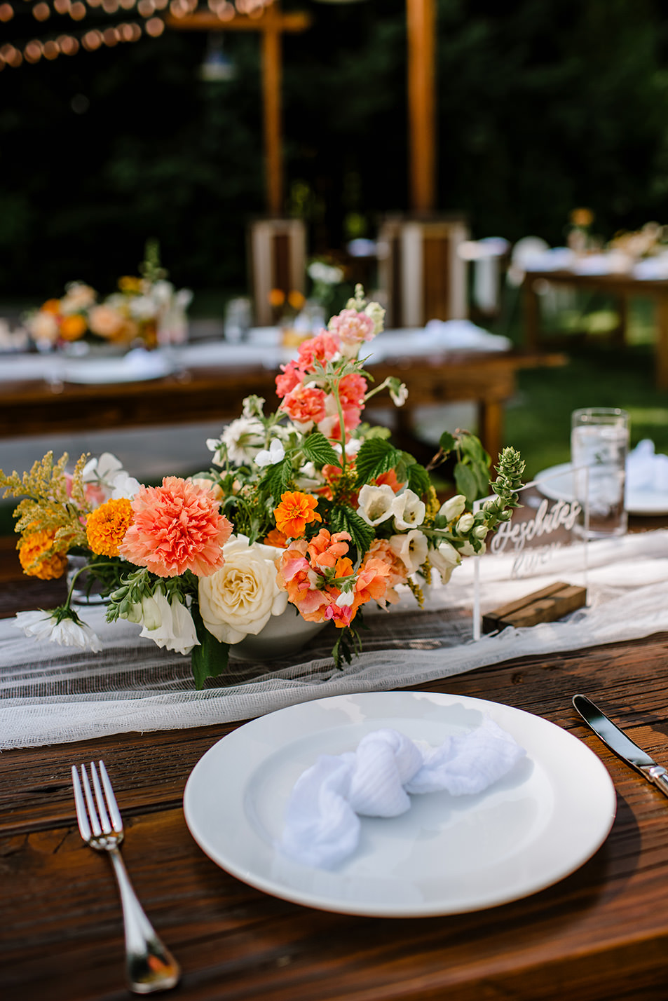 Citrus-inspired-wedding-at-Gorge-Crest-Vineyard-069.jpg