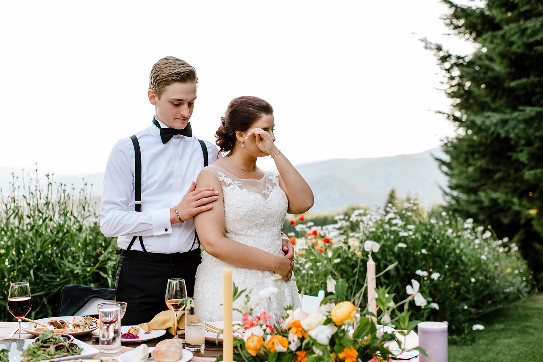 Citrus-inspired-wedding-at-Gorge-Crest-Vineyard-090.jpg