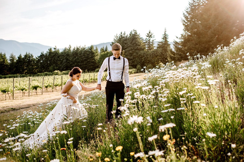 Citrus-inspired-wedding-at-Gorge-Crest-Vineyard-093.jpg