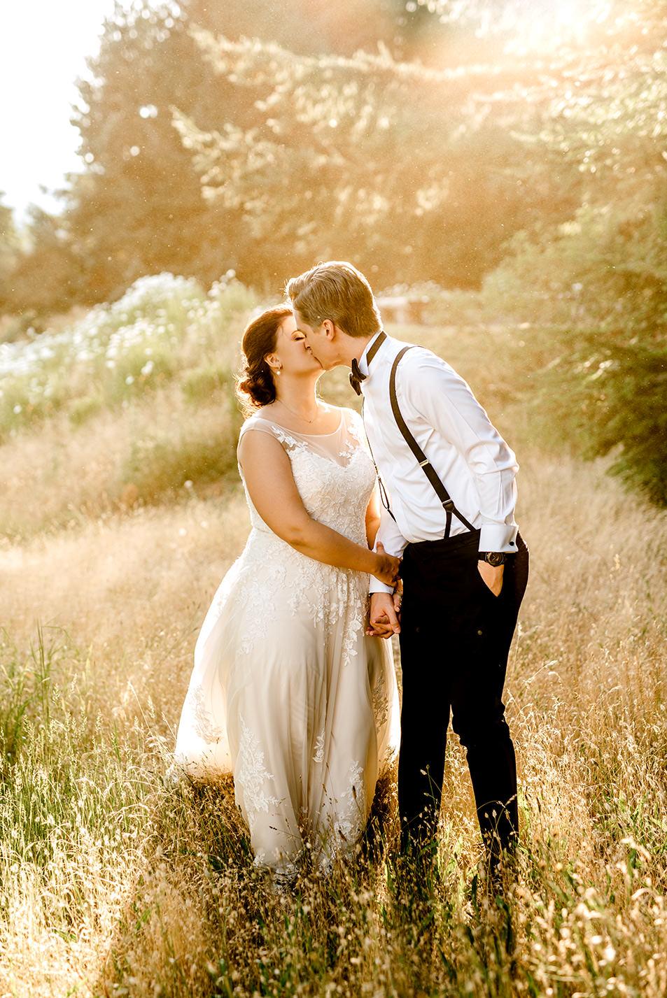 Citrus-inspired-wedding-at-Gorge-Crest-Vineyard-095.jpg