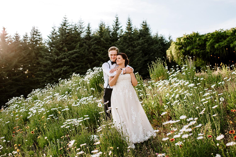 Citrus-inspired-wedding-at-Gorge-Crest-Vineyard-094.jpg