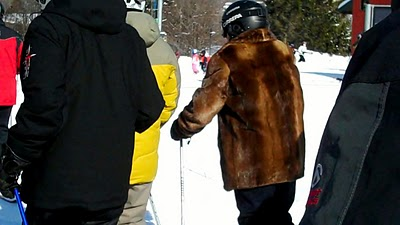 Mount Snow bear- or fur coat gaper