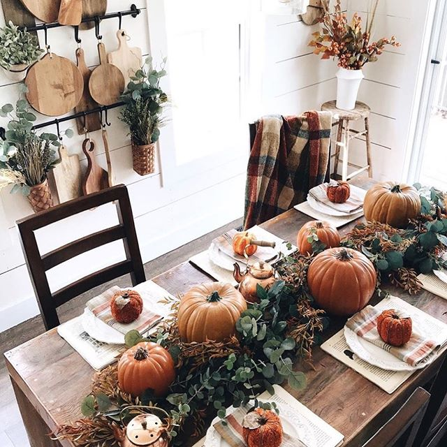 I am still in shock that it's November already...Here is a pretty Thanksgiving table idea from @cottonwoodacres from last year...I am not sure if we are hosting this year but I will still decorate the table a little.  #thanksgivingtable #tablesetting #tabledecor #tablescapes #thanksgiving #thanksgivingdecor #thanksgivingdinner #thanksgivingdecorations #farmhouse #farmhousestyle #november #ideas #cottonwoodacres