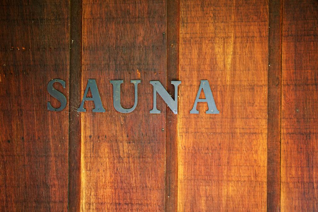 Sauna_sign.jpg
