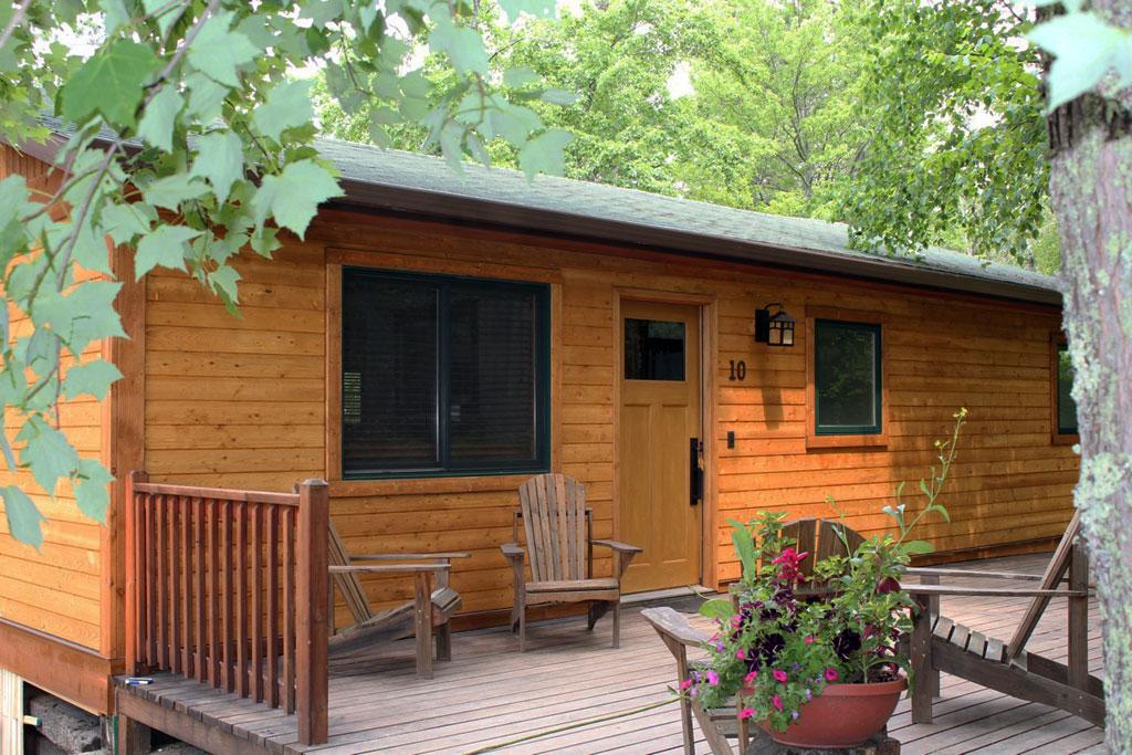 Cabin10_exterior.jpg