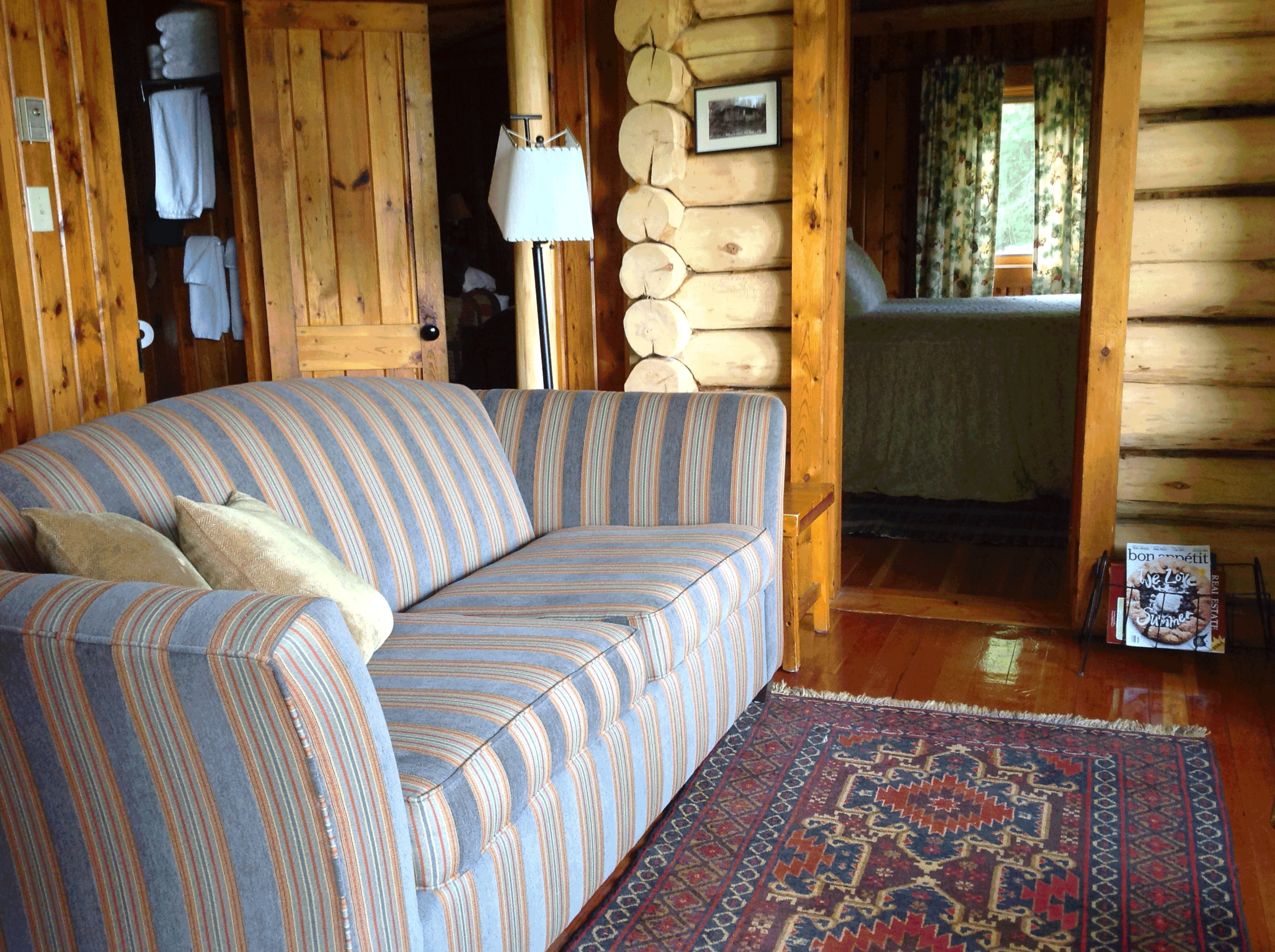 Cabin9_sitting_2015.png