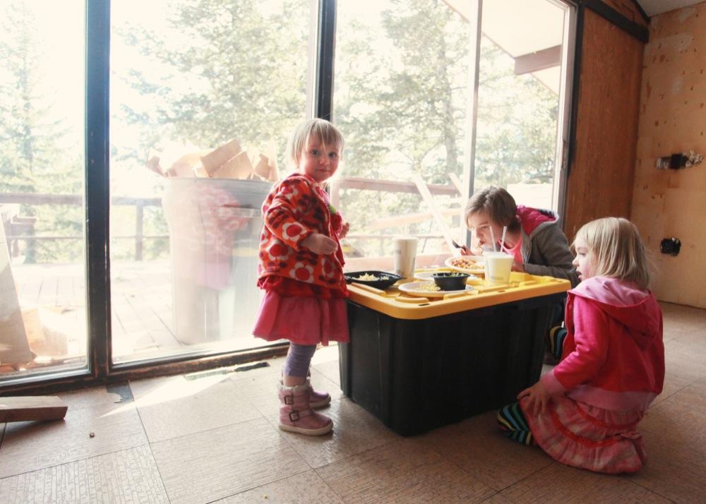 girls lunch.jpg