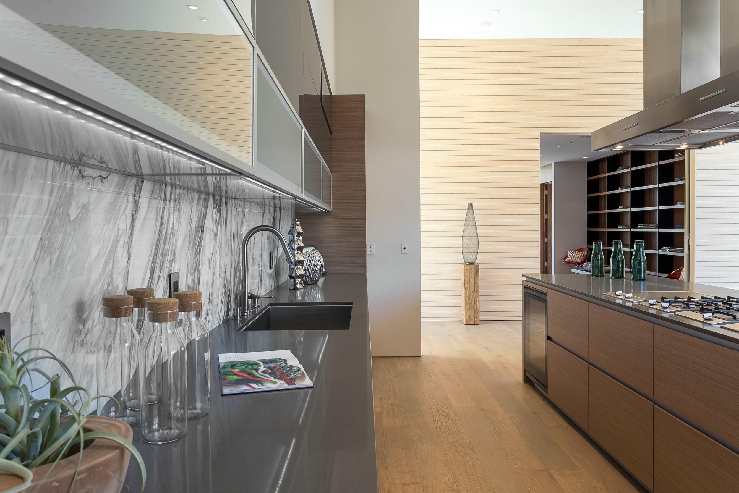 055_Kitchen (3).jpg