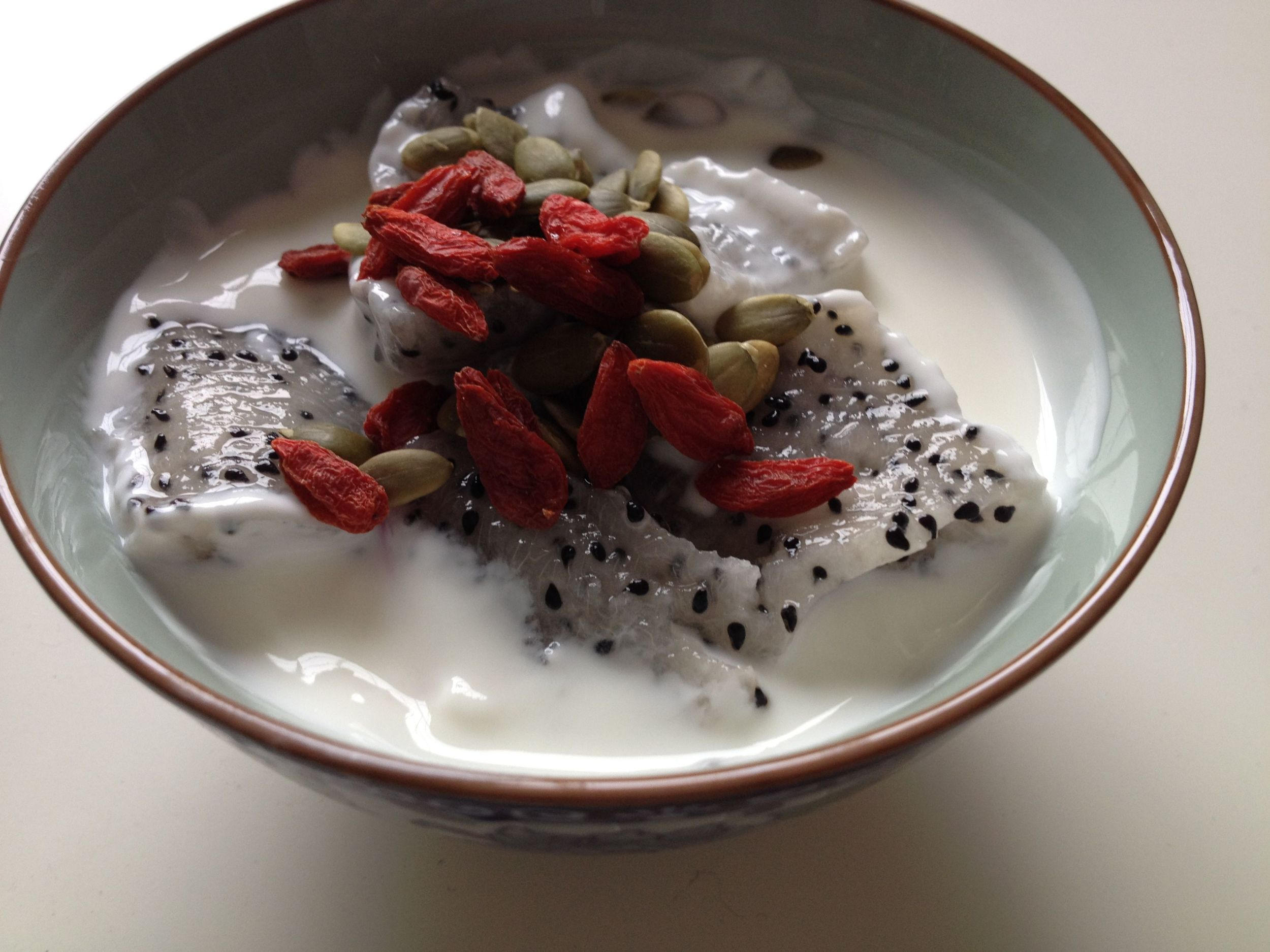 Dragon fruit with roasted goji berries & pumpkin seeds