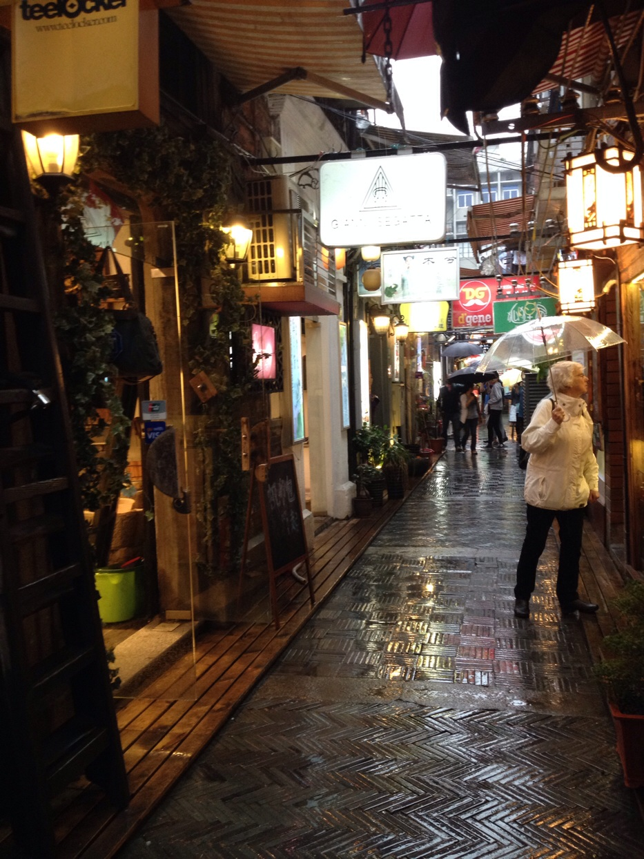 Last month I took my grandmother to Tianzifang when she was visiting Shanghai, it was a rainy day so she really enjoyed exploring both the area and the small shops and galleries the area holds