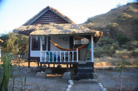 aa'bungalow-outside.jpg