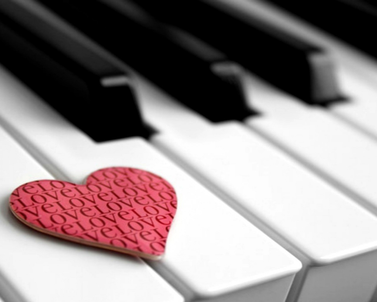music-piano-harmony-melody-mystical-inspiration-sublime-1280x1024-wallpaper.jpg