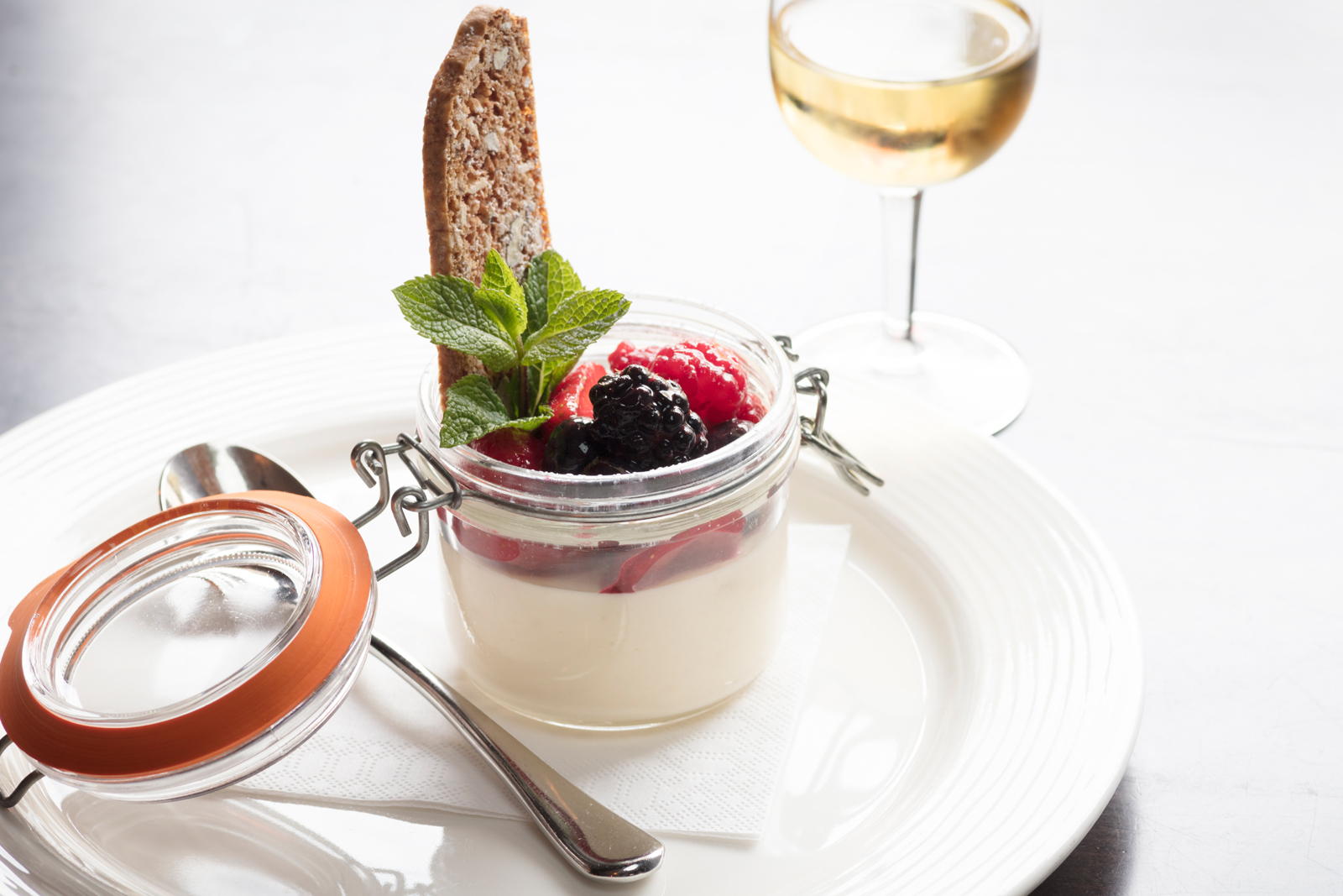 Vanilla Panna Cotta with Blackberries & Biscotti