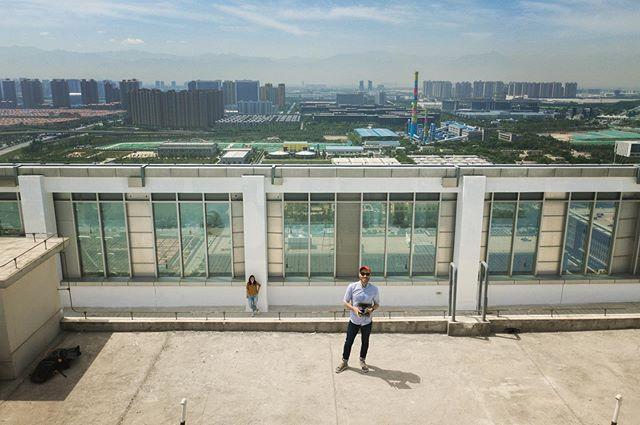 Scouting in Xi'an. Always time for a #droneselfie.  #xian #shaanxi #china #rooftop #scout #drone #dji #mavicpro #daedalumfilms