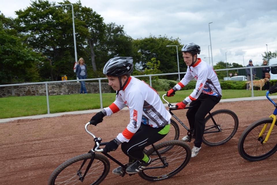 FIFE CYCLE SPEEDWAY TEAM MEMBERS IN ACTION AT THEIR 'HOME' TRACK WITHIN THE GROUNDS OF QUEEN ANNE HIGH SCHOOL