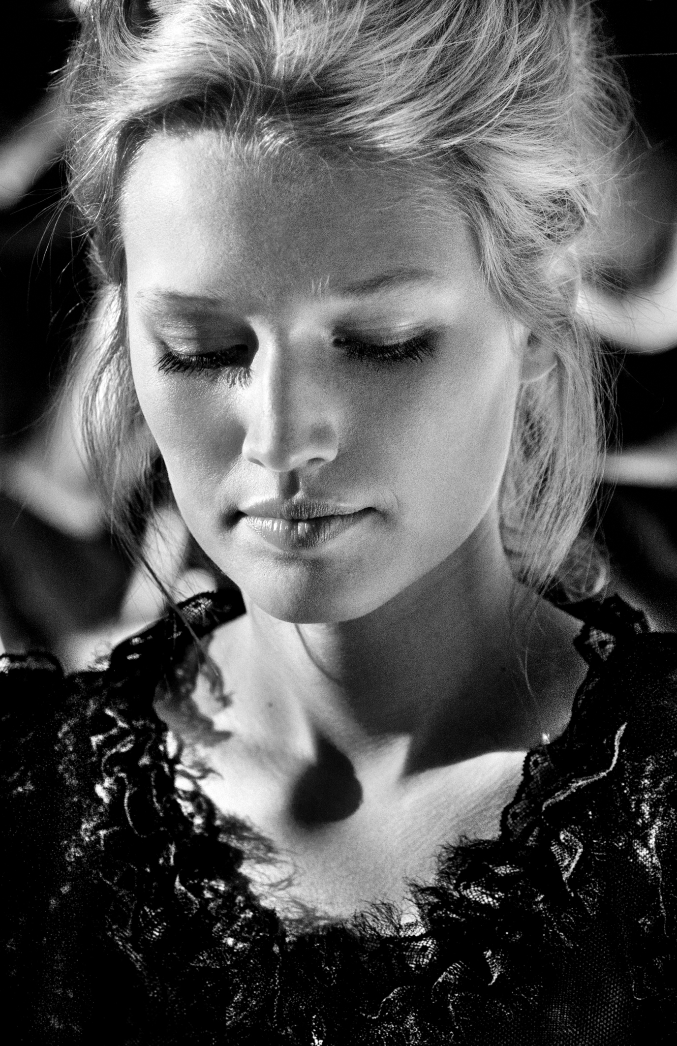 © Faces of Talent by Till Brönner, to be published by teNeues in September 2014, www.teneues.com. Toni Garrn, Photo © 2014 Till Brönner. All rights reserved.
